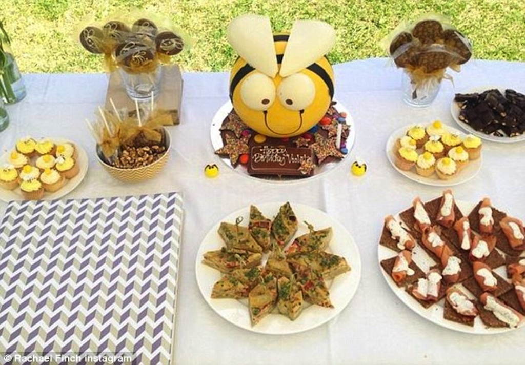 I found the bumble bee smash-cake and set the theme around it.